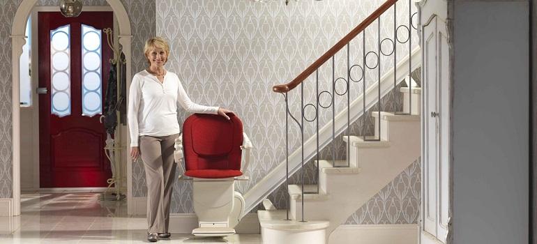 installer une chaise monte escalier pourquoi. Black Bedroom Furniture Sets. Home Design Ideas